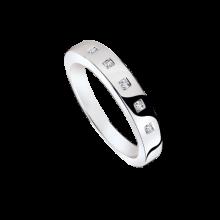 Обручальное кольцо из золота 750 пробы с бриллиантами